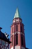 Frankfurt kyrklig Spire fotografering för bildbyråer