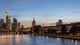 Frankfurt linia horyzontu, Główna rzeka, Niemcy Zdjęcia Royalty Free