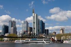 Frankfurt - Am - magistrala - statek wycieczkowy Obrazy Royalty Free