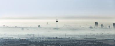 Frankfurt - Am - magistrala w ranek mgle obrazy royalty free