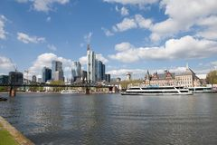 Frankfurt-am-Main - barco de cruceros Imagen de archivo