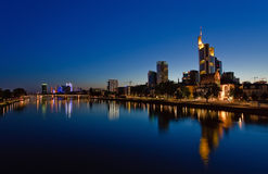 Frankfurt-am-Main bij nacht Stock Afbeelding