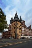 Frankfurt-am-Main in Duitsland is de handelscentrum, cultuur, onderwijs, toerisme en vervoerhub stock afbeeldingen