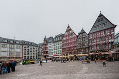 FRANKFURT-AM-MAIN, DUITSLAND - OKTOBER 25, 2012: De Oude Stad van Frankfurt-am-Main met Lokale Architectuur Royalty-vrije Stock Foto's