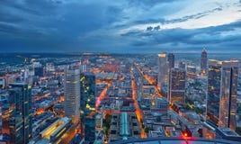Frankfurt-am-Main en la noche Imágenes de archivo libres de regalías