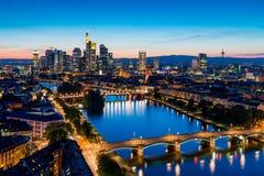 Frankfurt- am Mainskyline Stockfotos