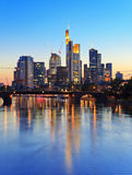 Frankfurt- am Mainskyline Stockfoto