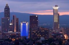 Frankfurt Messe am Sonnenuntergang lizenzfreies stockbild