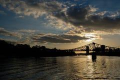 Frankfurt most w zmierzchu obrazy stock