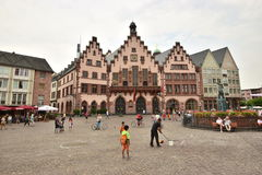 Frankfurt på strömförsörjningen, Tyskland - RÃ--MERstadshuset Arkivfoton