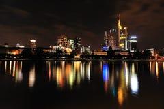 Frankfurt przy noc Fotografia Royalty Free
