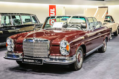 FRANKFURT - SEPT 2015: BRABUS Classic Mercedes-Benz 280 SE 3.5 C Stock Photography