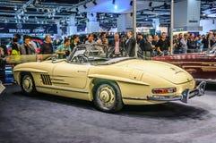 FRANKFURT - SEPT 2015: Brabus 1957 klassiska Mercedes-Benz 300 SL Arkivfoton