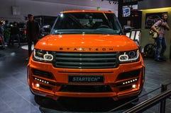 FRANKFURT - SEPT. 2015: De oogstvrachtwagen van Crackpotstartech Range Rover Stock Fotografie