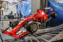 FRANKFURT - SEPT 2015: Ferrari formel en F1 som framläggas på IAA I Arkivbild