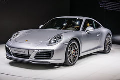 FRANKFURT - SEPT 2015: Framlagd Porsche 911 991 Carrera S kupé Arkivbilder
