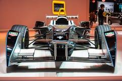 FRANKFURT - SEPT 21: Framlagd racerbil för Gnista-Renault formel E Arkivfoto