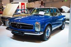 FRANKFURT - SEPT. 21: Klassiker Mercedes Benzs SL Pagode Brabus pres Lizenzfreie Stockfotos