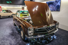 FRANKFURT - SEPT 2015: 1969 MERCEDES-BENZ 280SL PAGODA BRABUS Stock Photos