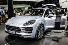 FRANKFURT - SEPT. 2015: Porsche Macan Turbo bij IAA wordt voorgesteld die Stock Foto