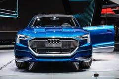 FRANKFURT - SEPT. 2015: Voorgestelde het Concept van Audi e-Tron Quattro Stock Fotografie