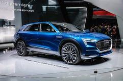 FRANKFURT - SEPT. 2015: Voorgestelde het Concept van Audi e-Tron Quattro Stock Afbeeldingen