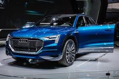 FRANKFURT - SEPT. 2015: Voorgestelde het Concept van Audi e-Tron Quattro Stock Afbeelding