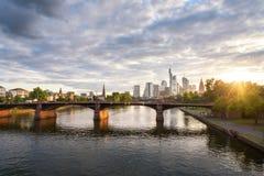 Frankfurt solnedgångTyskland royaltyfri bild