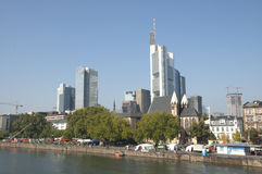 frankfurt strömförsörjningshorisont Arkivbild