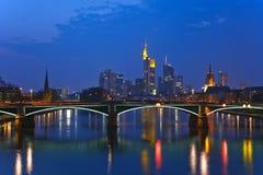 frankfurt strömförsörjningssikt arkivbilder