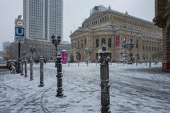 Frankfurt Tyskland - December 03: Den gamla operan för Alte operation i Frankfurt på December 03, 2017 i Frankfurt, Tyskland Arkivbilder