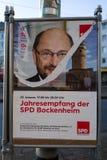 Frankfurt Tyskland - Februari 13: Sönderriven affisch av SPD-politikern Martin Schulz på Februari 13, 2018 i Frankfurt Arkivfoton