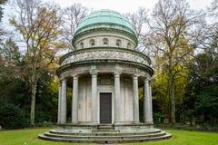 Frankfurt Tyskland - November 19: Urnenhallen på Frankfurt Hauptfriedhof på November 19, 2017 Fotografering för Bildbyråer