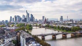 Frankfurt TysklandCityscape arkivfilmer