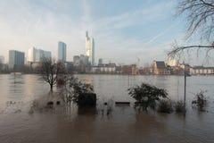 Frankfurt unter Wasser stockbild
