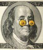 Franklin z bitcoin szkłami fotografia royalty free