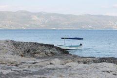 Förankrat fartyg Fotografering för Bildbyråer