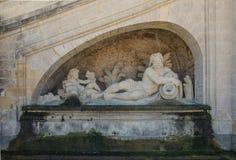 FRANKREICH CHANTILLY AUG 2018: eine Skulptur in Chantilly-Schloss von Frankreich Es ist ein historisches Schloss, das in der Stad lizenzfreie stockfotos