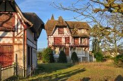 Frankreich, die malerische Stadt von Verneuil-sur Wadenetz stockbild