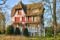 Frankreich, die malerische Stadt von Verneuil-sur Wadenetz stockbilder