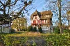 Frankreich, die malerische Stadt von Verneuil-sur Wadenetz lizenzfreies stockfoto