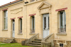 Frankreich, die malerische Stadt von Verneuil-sur Wadenetz stockfotos