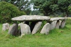 Galeriegrab in L Ile groß in Bretagne Lizenzfreie Stockfotos