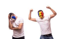 Frankreich gegen Rumänien auf weißem Hintergrund Fußballfan von Rumänien- und Frankreich-Nationalmannschaften Stockfoto