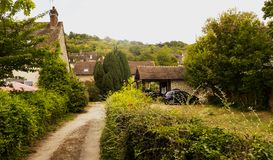 Frankreich, malerisches Dorf von Giverny in Normandie ist es als der Standort Claude Monet-` s von Garten und von Haus am bekannt lizenzfreie stockbilder