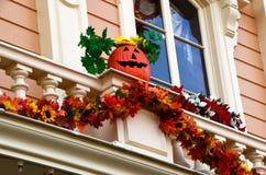 Frankreich, Paris, Disneyland, am 14. Oktober 2018 Dekorationsdetail und -fenster Disneylands Halloween lizenzfreies stockfoto