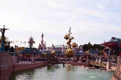 Frankreich, Paris, Disneyland, am 14. Oktober 2018 Dekorationsdetail und -fenster Disneylands Halloween stockfotos
