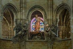FRANKREICH SENLIS AUG 2018: Innenraum der Kathedrale in Senlis-Stadt von Frankreich Es ist ein Teil der Provinz von L 'Oise in de stockfotografie
