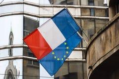 Frankreich- und Gemeinschaftsflaggen Stockfotos