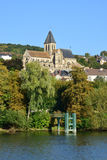 Frankrijk, de schilderachtige stad van de Zegen van Triel sur Stock Foto's